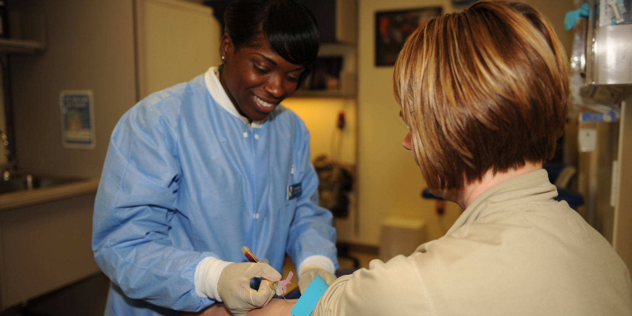 The Impact of Phlebotomy Certification on Salary – New Horizons ...